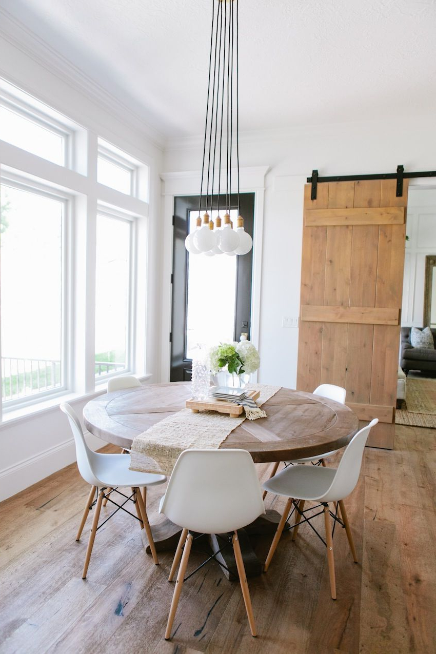 Round Dining Table With Fashionable Solid Wood Circular Dining Tables White (View 10 of 25)