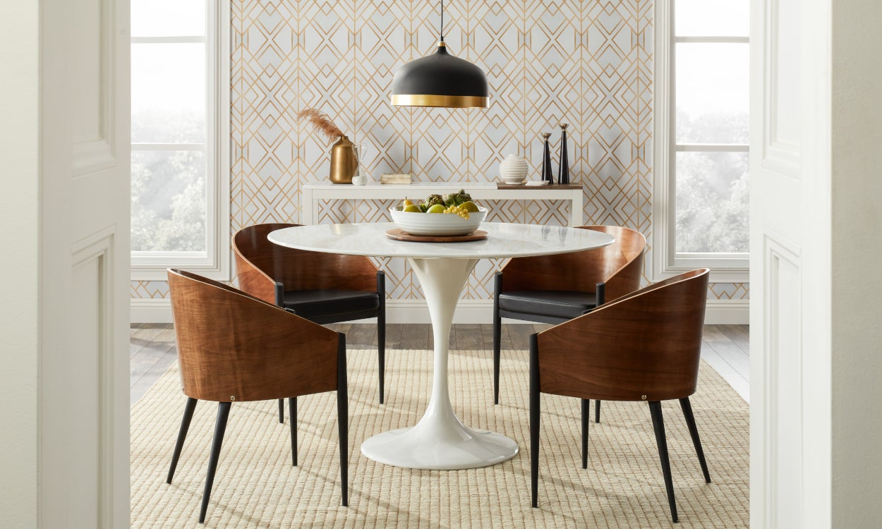 Top 5 Light Fixtures For A Harmonious Dining Room Throughout Newest Chrome Contemporary Square Casual Dining Tables (View 19 of 25)