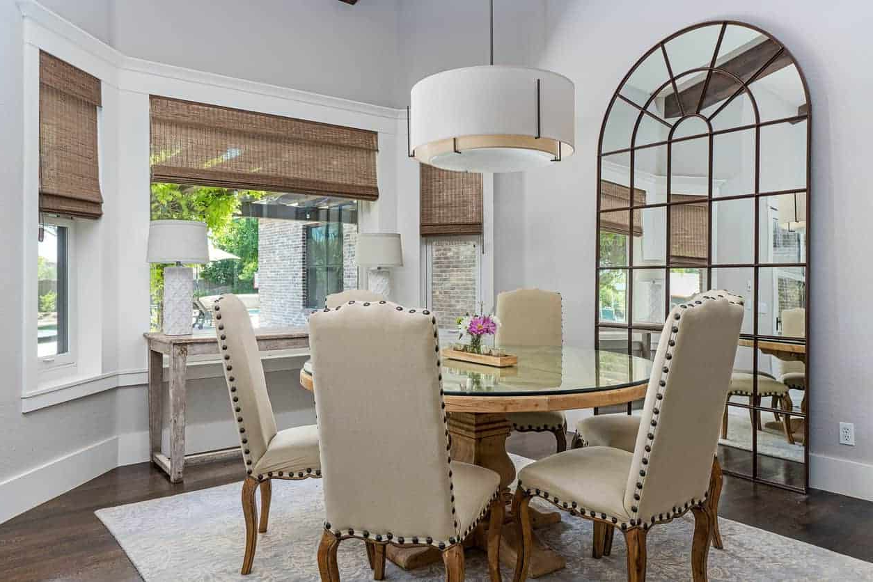 Well Known Large Rustic Look Dining Tables Throughout 50 Dining Rooms With Round Dining Tables (Photos) (View 22 of 25)