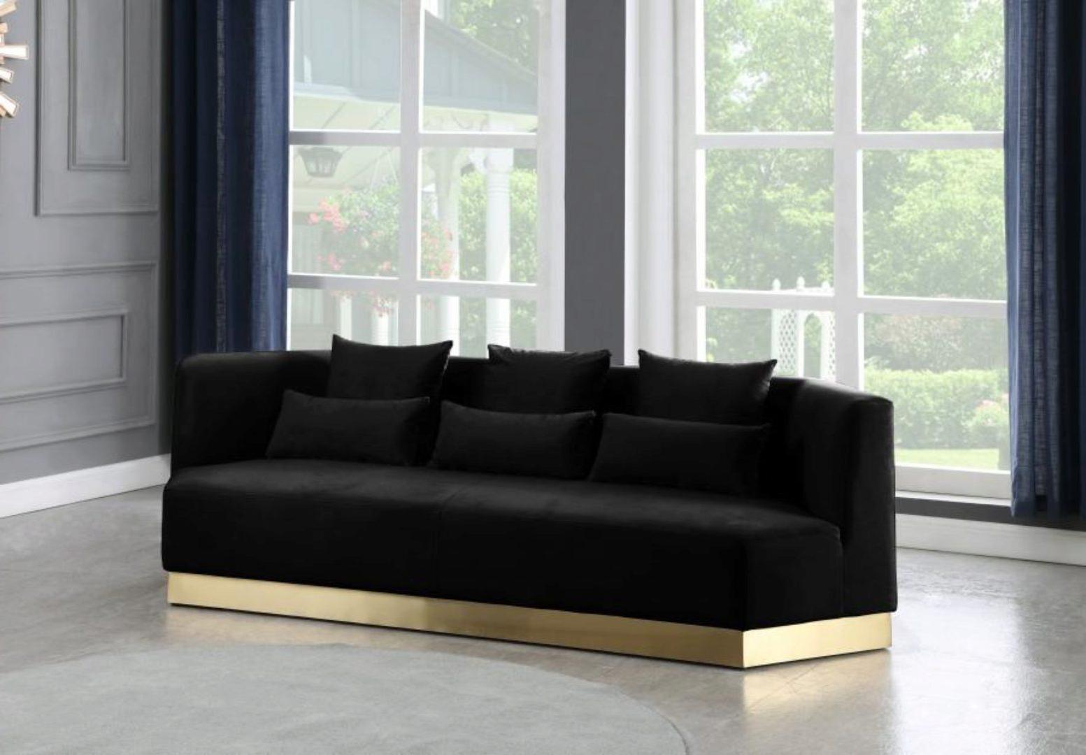 Black Velvet Sofa Curved Design Contemporary Meridian Intended For Trendy Strummer Velvet Sectional Sofas (View 7 of 25)